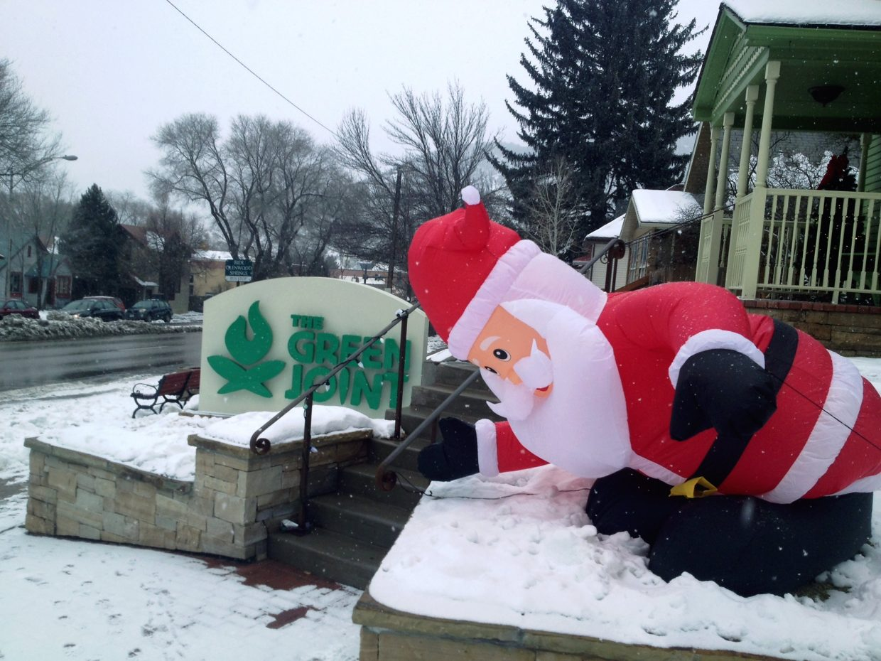 It appears Santa got a little low on Christmas day — low on air, what did you think we meant? — and ended up near 11th and Grand in Glenwood Springs. Wonder if they left cookies. (Thanks to Glenwood resident Tony Hershey for this shot.)
