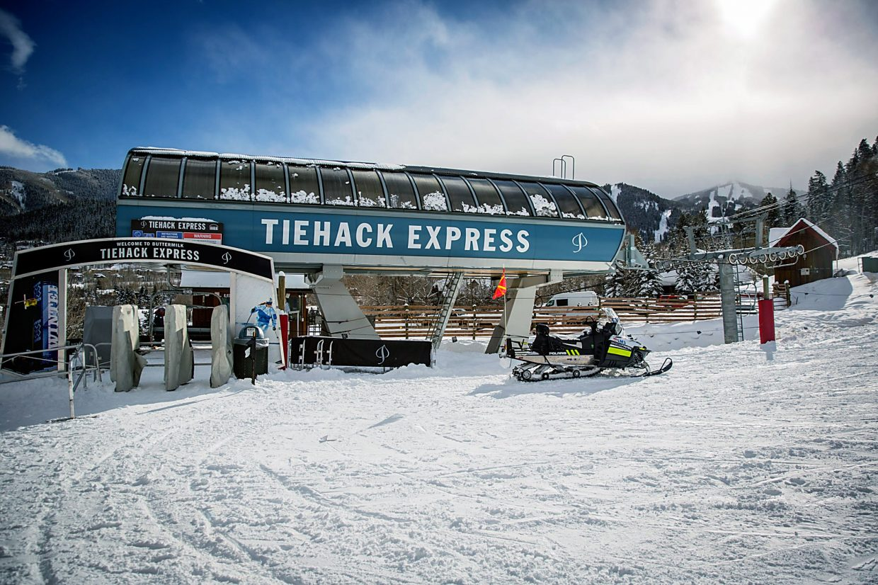 Tiehack Express lift at Buttermilk stopped functioning due to electrical issues Wednesday around 11 a.m. Ski patrollers from three mountains helped evacuate 80 people from the lift.