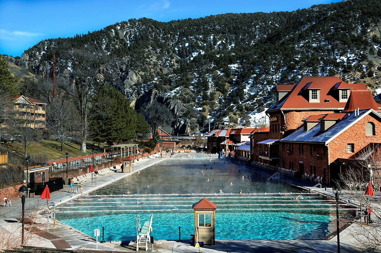 Hot Springs Pool says bacteria well within limits