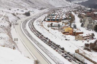 Colorado close to expanding traction law targeting 2WD cars driving I-70 in the mountains