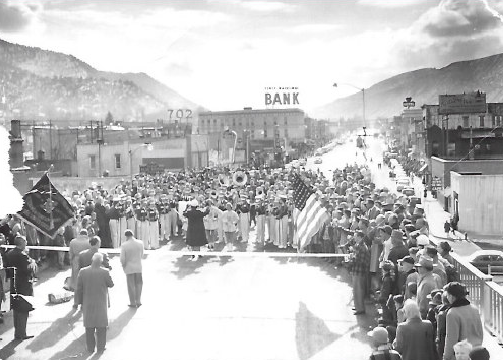 Glenwood Springs struck up the band in 1953 when the previous Grand Avenue bridge opened.