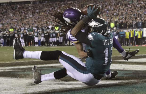Philadelphia Eagles' Alshon Jeffery catches a touchdown pass during the second half of the NFL football NFC championship game against the Minnesota Vikings Sunday, Jan. 21, 2018, in Philadelphia. (AP Photo/Matt Rourke)