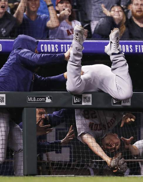 Blackmon's homer in 9th gives Rockies 3-2 win over Astros