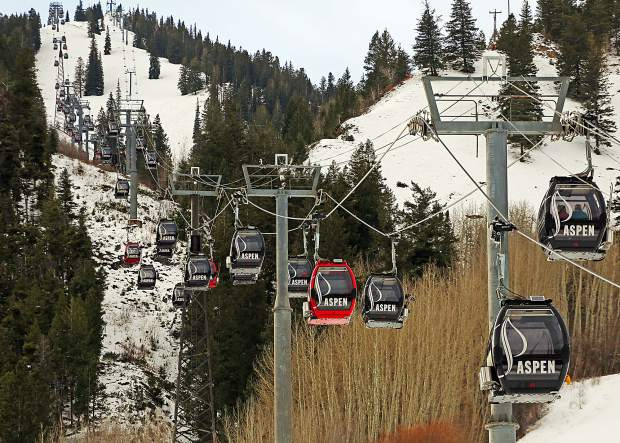 The lifts are officially turning on Aspen Mountain as opening day came early on Saturday, Nov. 17, 2018. (Photo by Austin Colbert/The Aspen Times).