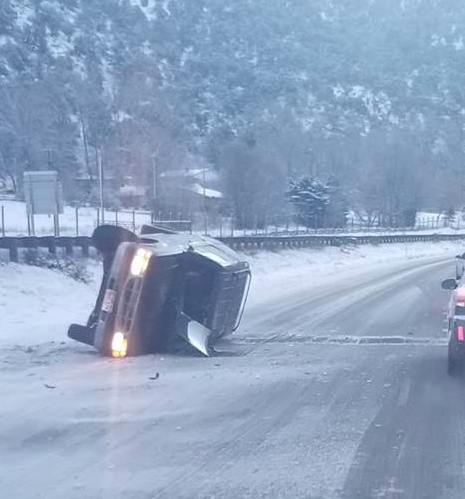Safety closure lifted after wrecks in Glenwood Canyon