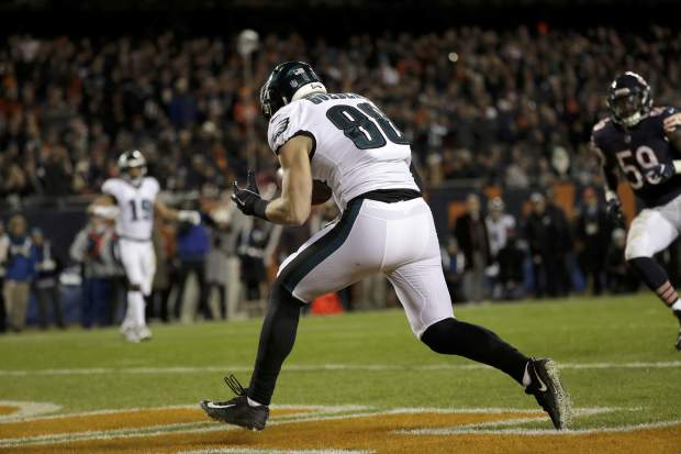 Philadelphia Eagles tight end Dallas Goedert (88) makes a touchdown reception during the second half of an NFL wild-card playoff football game against the Chicago Bears Sunday, Jan. 6, 2019, in Chicago. (AP Photo/Nam Y. Huh)