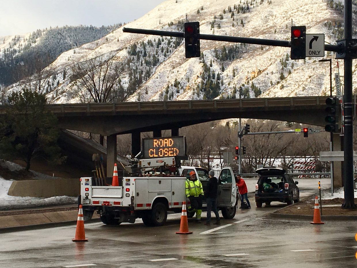I-70 closed through Glenwood Canyon due to rockslide