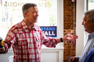 In Aspen, John Hickenlooper seeks donors for struggling campaign